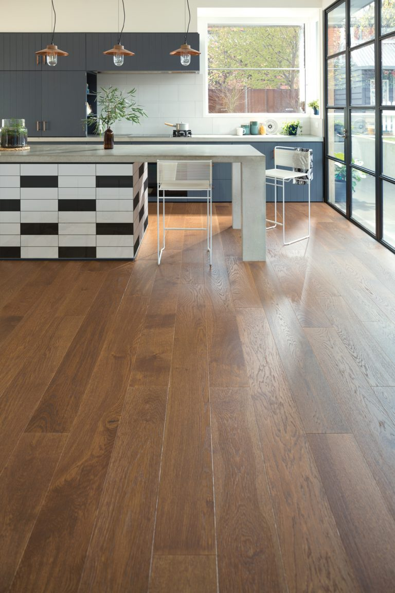 TIMBER-Plantino-Engineered-Oak-Cremona_Scandi_2-768x1152.jpg